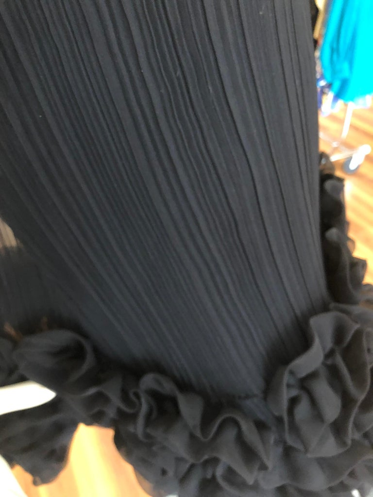 Late 60s Teal Traina Black Pleated  Dress  For Sale 4