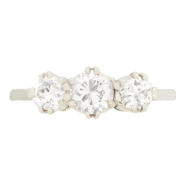 Late Art Deco 1.00 Carat Diamond Three-Stone Ring, circa 1940s For Sale