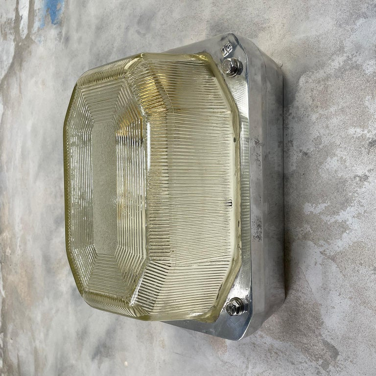 Late Century Large British Victor Cast Aluminum Bulkhead Lamps Reeded Glass In Good Condition For Sale In Leicester, Leicestershire