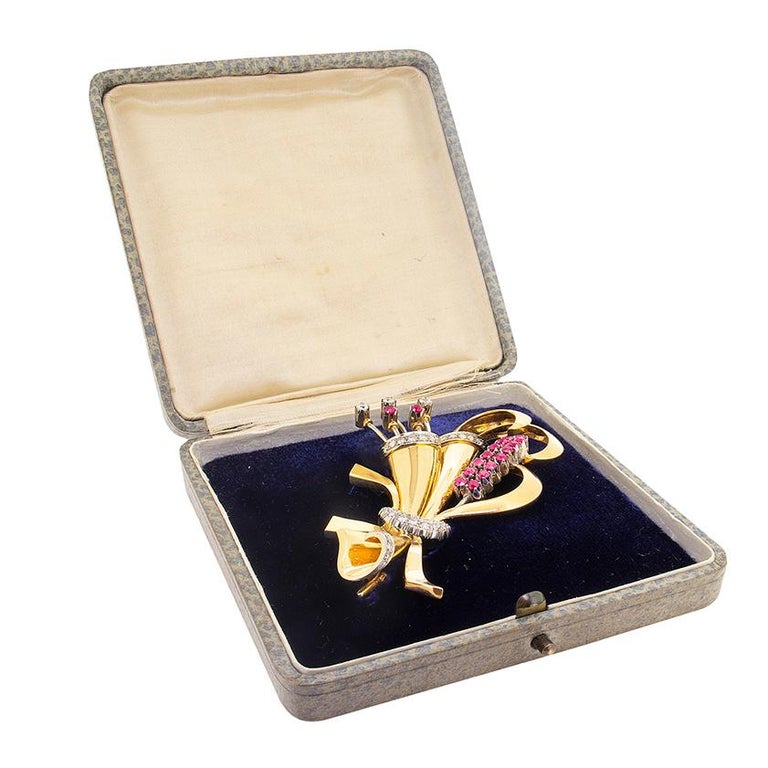 Art Deco Late Deco Diamond and Ruby Flower Brooch, circa 1940s For Sale