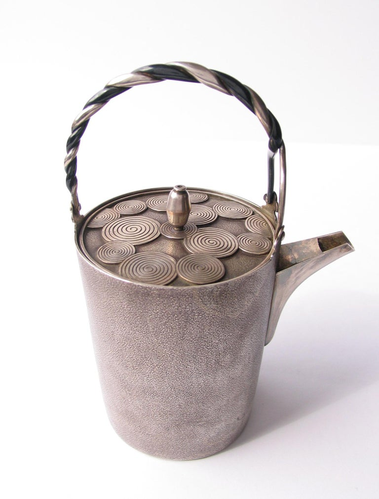 Late Edo- Early Meiji Period Silver Sake Bottle Pair by Nobuyuki Miyajima For Sale 4
