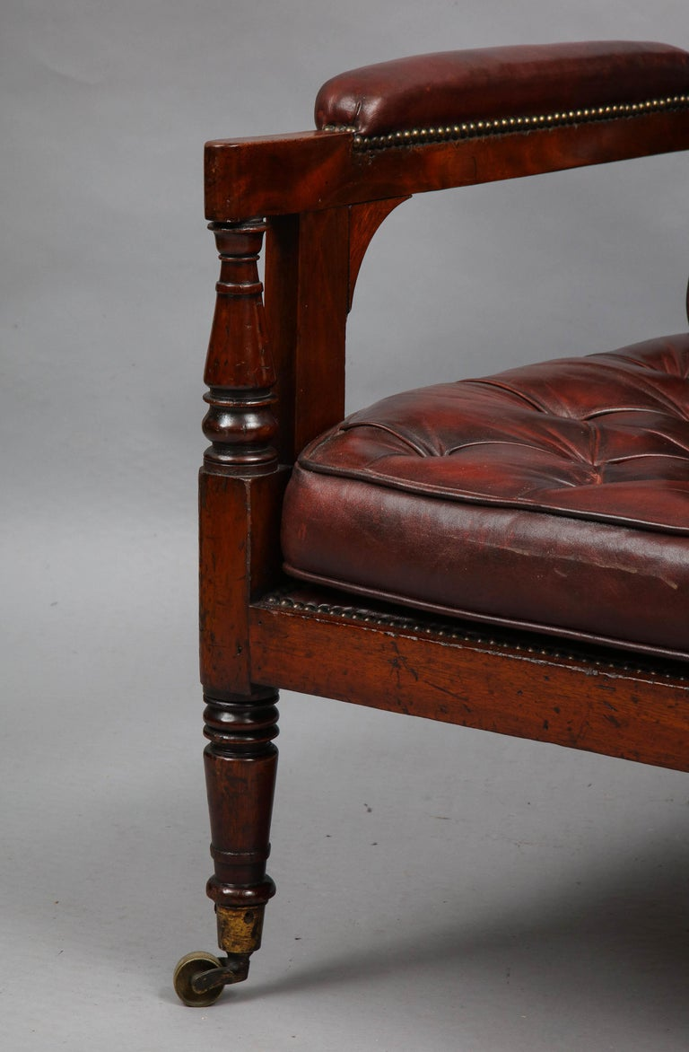 Late Georgian Library Chair In Good Condition For Sale In New York, NY