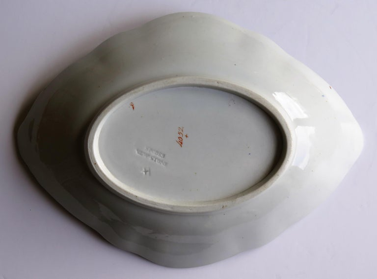 Late Georgian Spode Dish or Oval Plate finely enamelled Pattern 4052, circa 1820 For Sale 4
