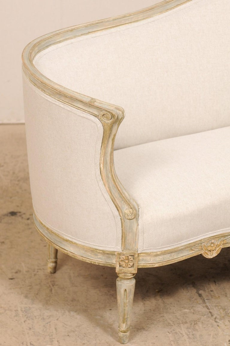 Late Gustavian Barrel-Back Upholstered Swedish Sofa from the Early 19th Century In Good Condition For Sale In Atlanta, GA