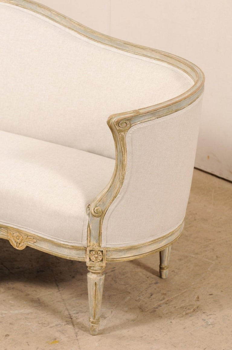 Late Gustavian Barrel-Back Upholstered Swedish Sofa from the Early 19th Century For Sale 1