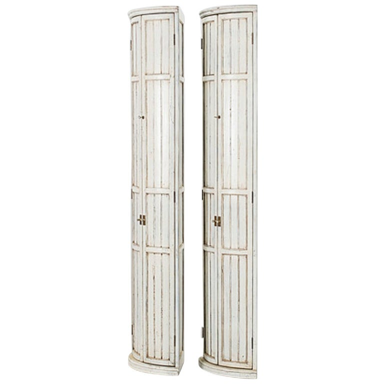 Late Gustavian Pair of Corner Cupboard Bookcase Cabinets For Sale