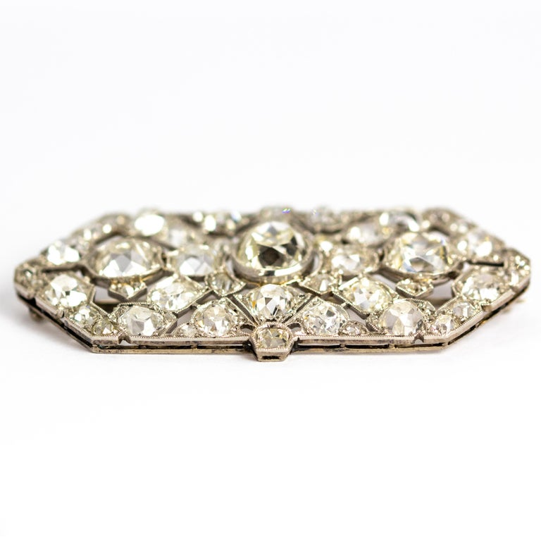 Late Victorian 9.70 Carat Diamond and Platinum Brooch For Sale 5