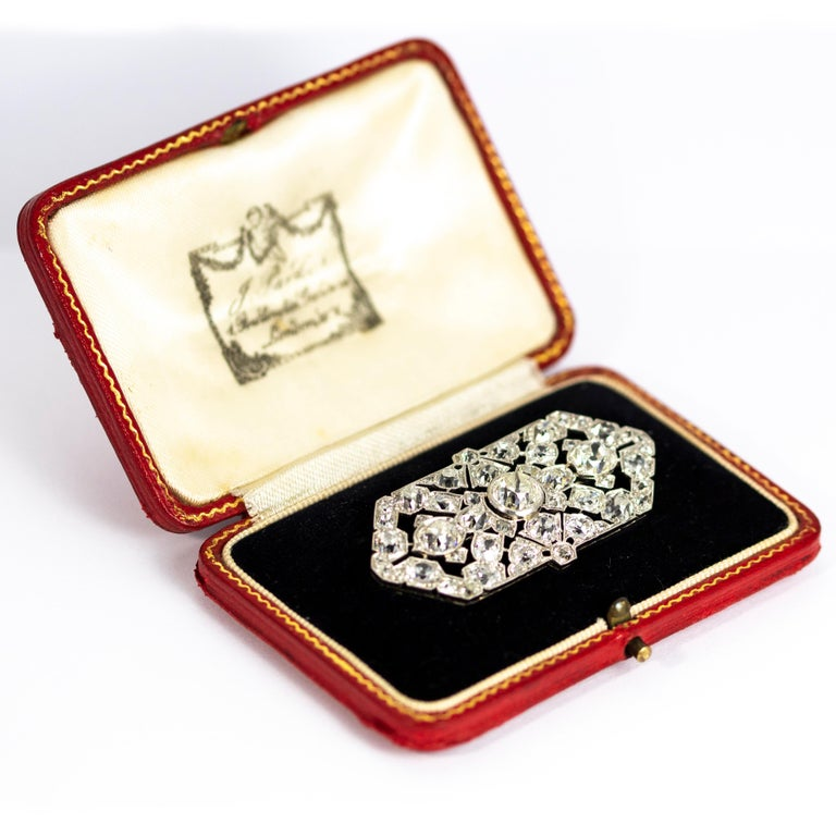 Women's or Men's Late Victorian 9.70 Carat Diamond and Platinum Brooch For Sale
