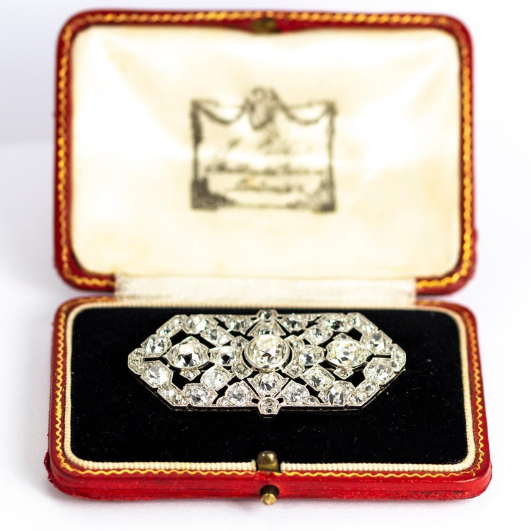 Late Victorian 9.70 Carat Diamond and Platinum Brooch For Sale 1
