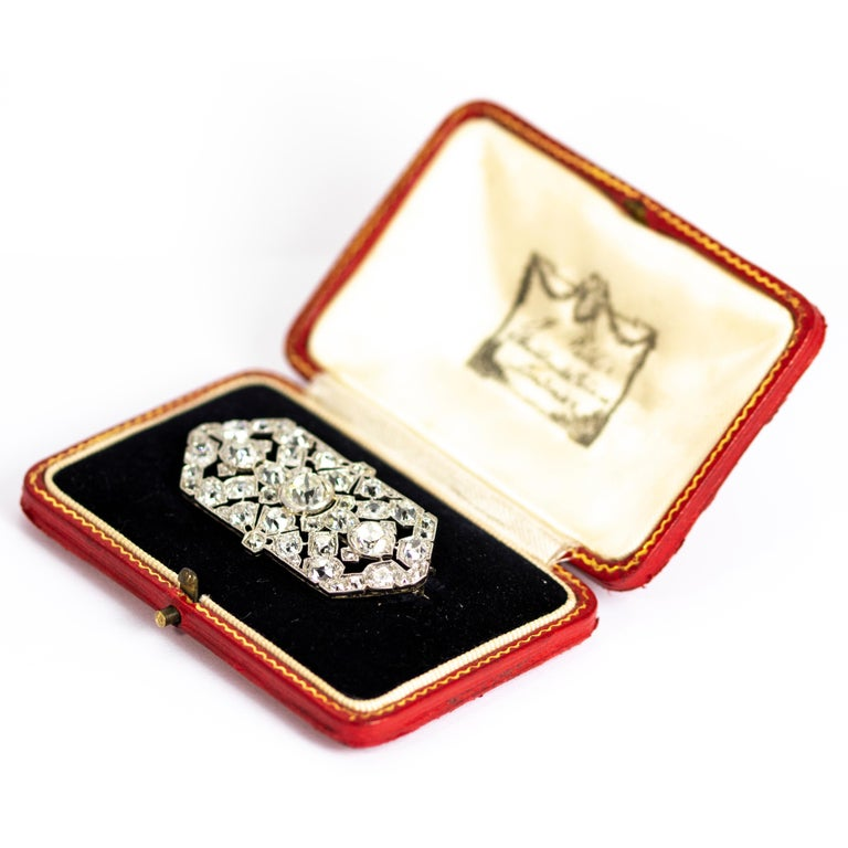 Late Victorian 9.70 Carat Diamond and Platinum Brooch For Sale 2