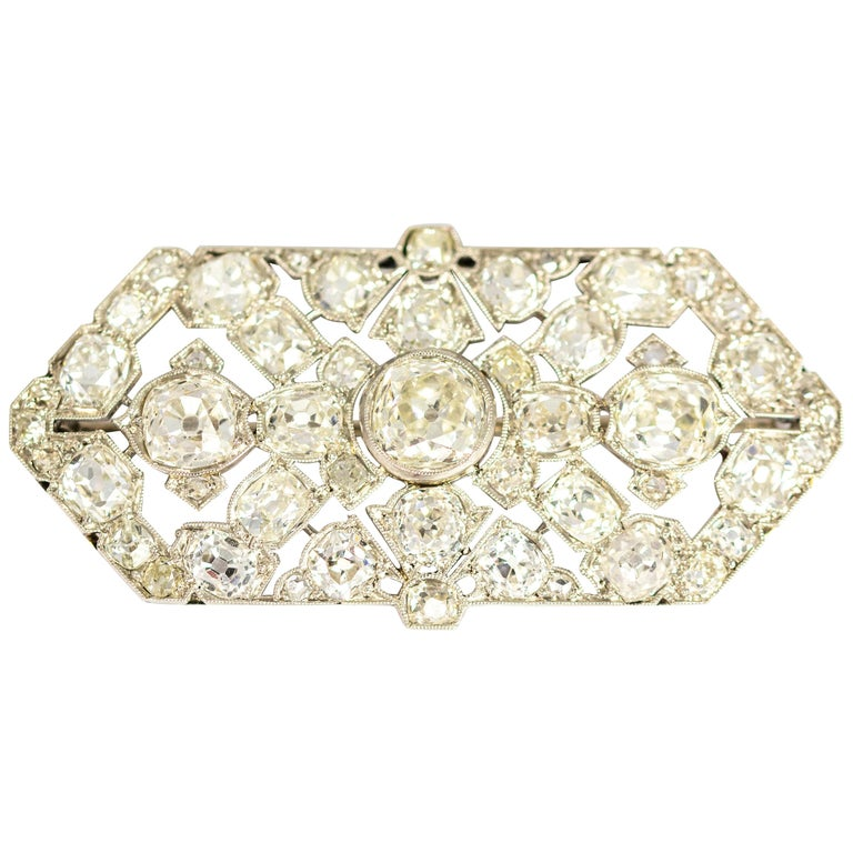 Late Victorian 9.70 Carat Diamond and Platinum Brooch For Sale