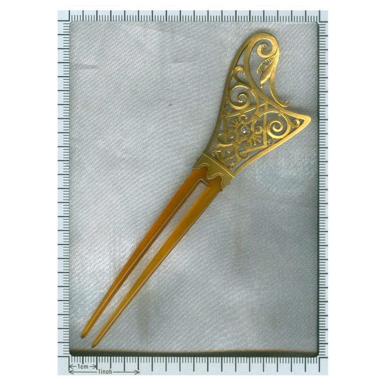 Late Victorian French Gold Hair Comb Set with Diamonds and Made from Horn For Sale 6