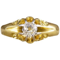Late Victorian Gypsy Set Diamond Ring with Detailed Shoulders 18 Carat Gold