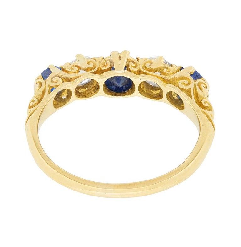 Women's or Men's Late Victorian Sapphire and Diamond Five-Stone Ring, circa 1900s