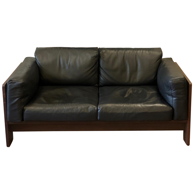 Bastiano Black Leather Sofa with Walnut Frame by Afra & Tobia Scarpa