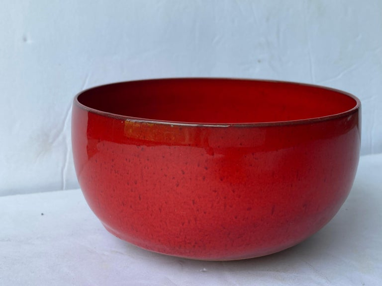 Laura Andreson Ceramic/Pottery Red Glossy Glaze Bowl, Signed In Good Condition For Sale In Los Angeles, CA