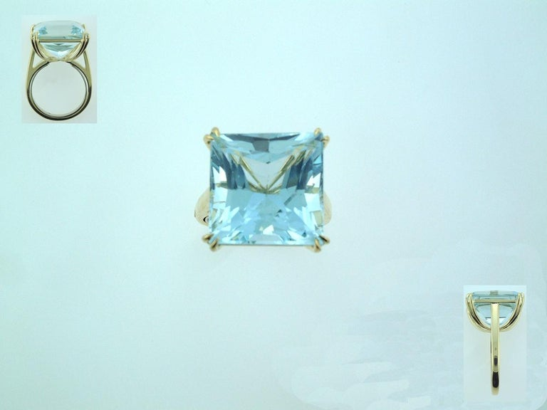 Laura Munder 15.21 Carat Aquamarine Yellow Gold Ring In New Condition For Sale In West Palm Beach, FL