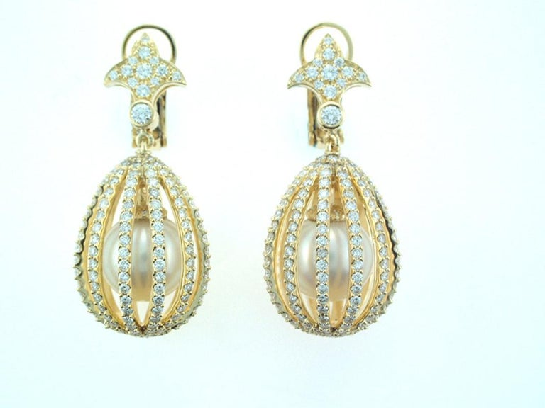 Round Cut Laura Munder South Sea Pearl and Diamond Gold Earrings For Sale