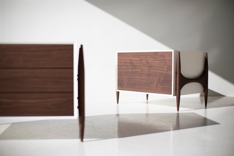 Laura Trenchard Modern Walnut Nightstands for Craft Associates Furniture In New Condition For Sale In Oak Harbor, OH