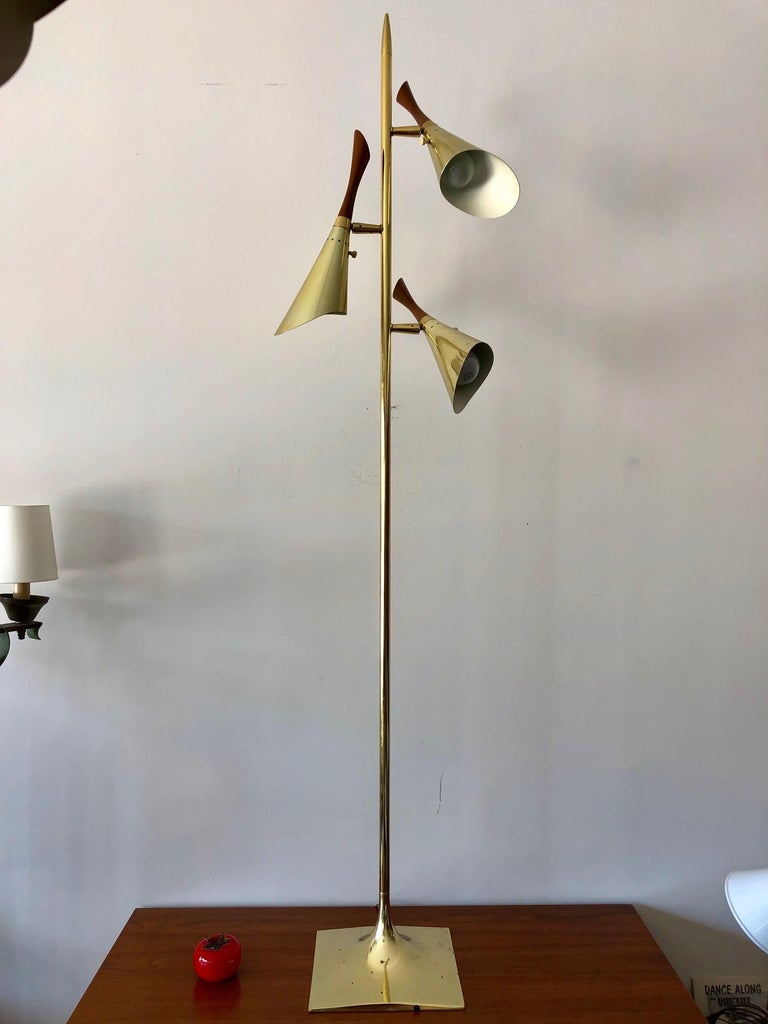Laurel Floor Lamp with Pivoting Shades For Sale 4
