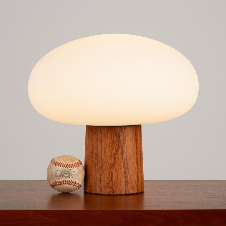 Mid-Century Modern Laurel Mushroom Table Lamp
