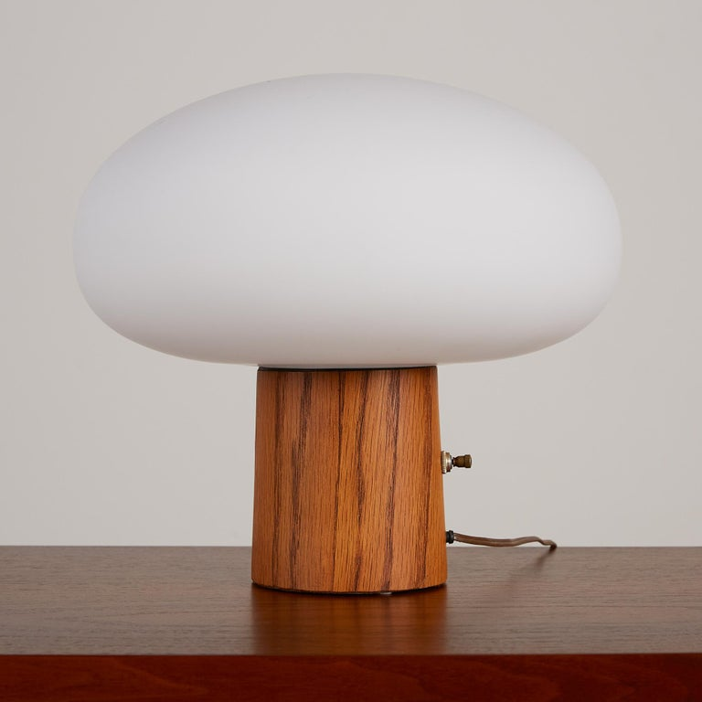 Laurel Mushroom Table Lamp In Excellent Condition In Los Angeles, CA