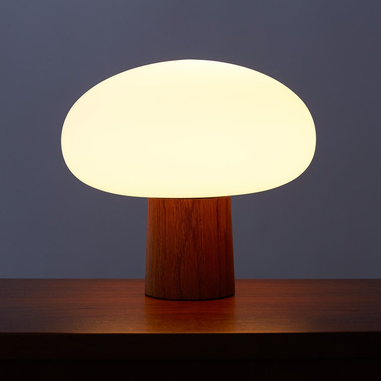 Mid-20th Century Laurel Mushroom Table Lamp