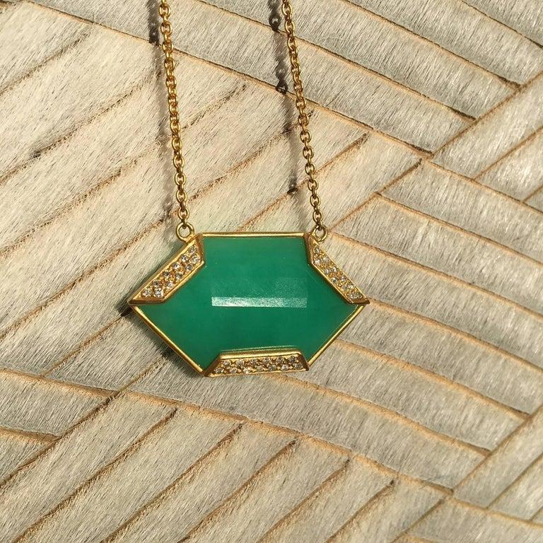 Lauren Harper Chrysophrase .26 Carat Diamonds 18 Karat Gold Necklace In New Condition For Sale In Winnetka, IL