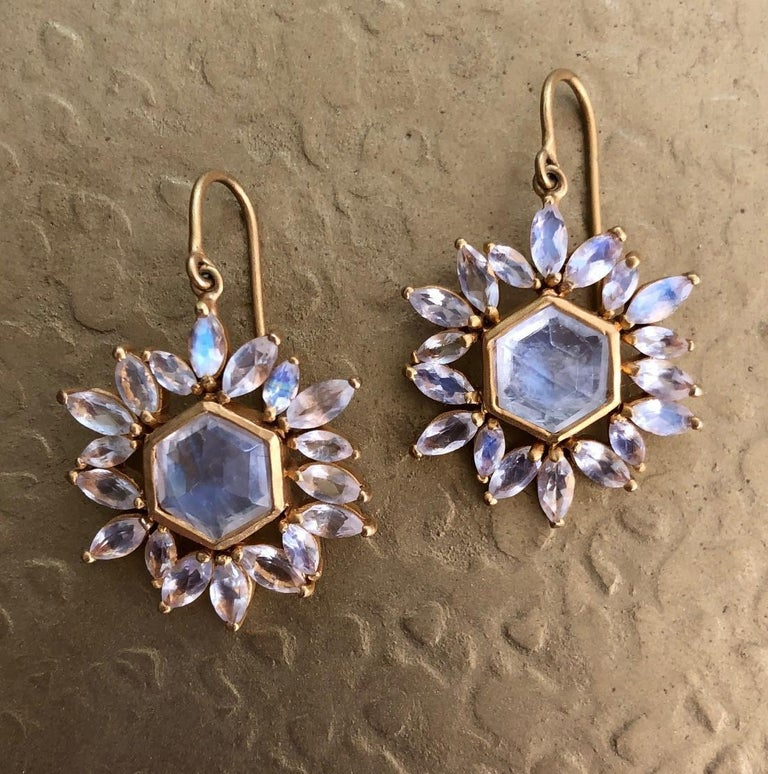 These faceted Rainbow Moonstones are luminescent and lively, picking up the light and colors around them.  Sophisticated and refined, these earrings are finished in Lauren Harper's signature 18kt Matte Gold, they are perfect for day or evening wear.