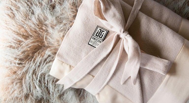 Modern Lauren Lambswool Champagne Blanket, Queen For Sale