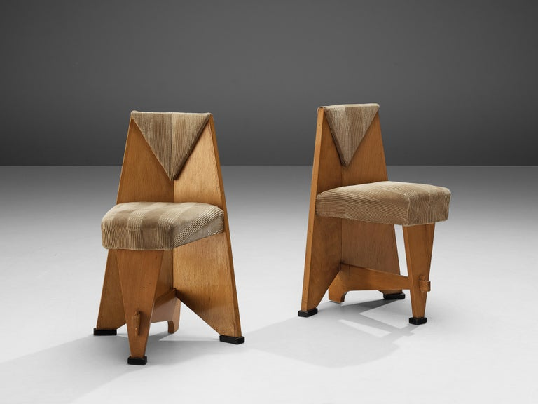 Laurens Groen for H.H. de Klerk & Zoonen, pair of side chairs, birch, soft yellow fabric upholstery, the Netherlands, 1924