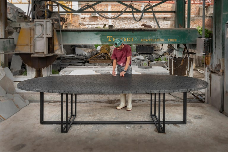 LAVA Oval Table, Metal and Volcanic Rock, One of a Kind In New Condition For Sale In Zapopan, Jalisco