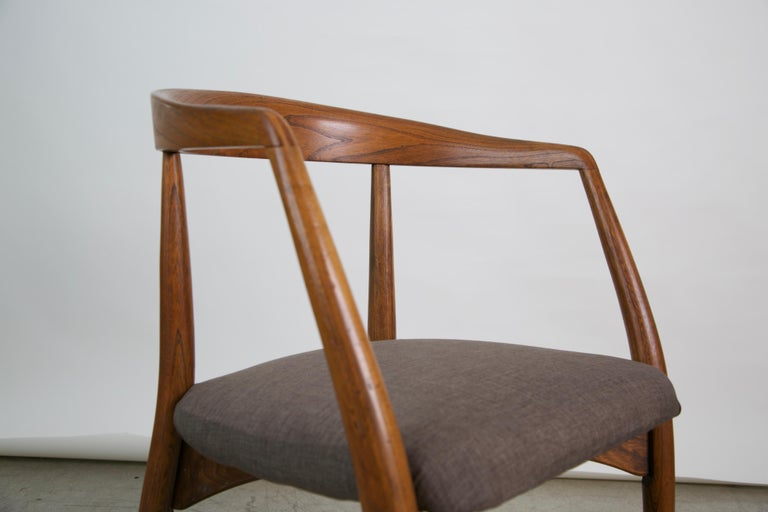 Lawrence Peabody for Richardson Nemschoff Solid Oak Armchairs, circa 1960s For Sale 7