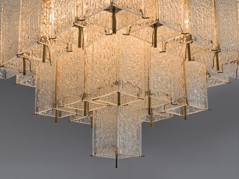 Layered Brass and Structured Glass Chandelier In Good Condition For Sale In Waalwijk, NL
