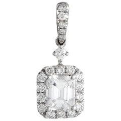 LB Exclusive 18 Karat White Gold Diamond Pendant