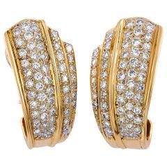 LB Exclusive 18 Karat Yellow Gold 2.55 Carat Diamond Clip-On Earrings
