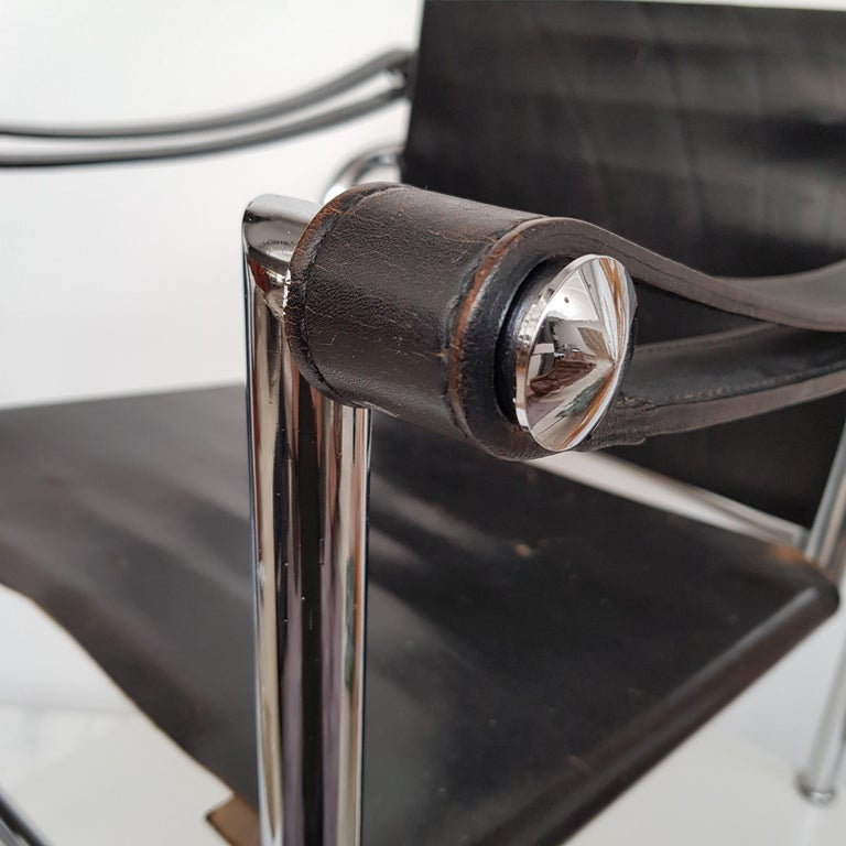 LC-1 Chair by Le Corbusier Black Leather, 1950s In Good Condition For Sale In AMSTERDAM, NL