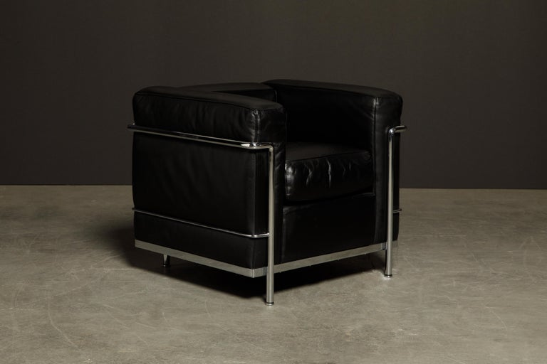 Bauhaus 'LC2' Black Leather and Chrome Club Chair by Le Corbusier for Cassina, Signed For Sale