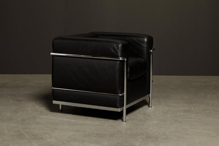Italian 'LC2' Black Leather and Chrome Club Chair by Le Corbusier for Cassina, Signed For Sale