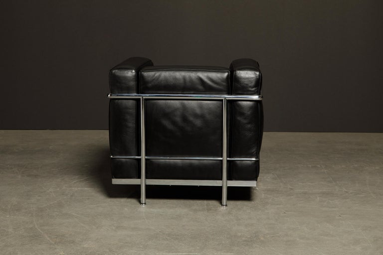 'LC2' Black Leather and Chrome Club Chair by Le Corbusier for Cassina, Signed For Sale 1