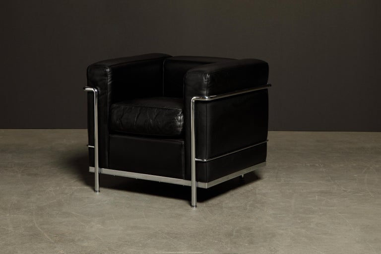 'LC2' Black Leather and Chrome Club Chair by Le Corbusier for Cassina, Signed For Sale 2