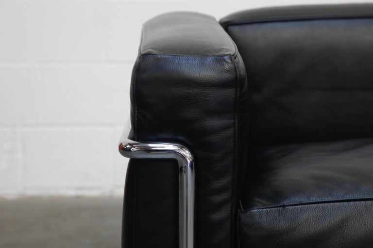 'LC2' Three-Seat Sofa in Black Leather by Le Corbusier for Cassina, Signed 9