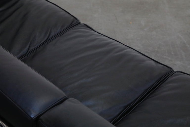 'LC2' Three-Seat Sofa in Black Leather by Le Corbusier for Cassina, Signed 11