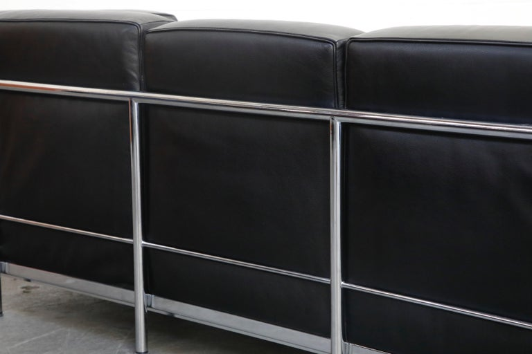 'LC2' Three-Seat Sofa in Black Leather by Le Corbusier for Cassina, Signed 12
