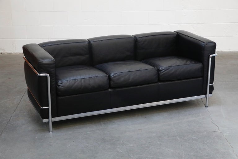 Italian 'LC2' Three-Seat Sofa in Black Leather by Le Corbusier for Cassina, Signed