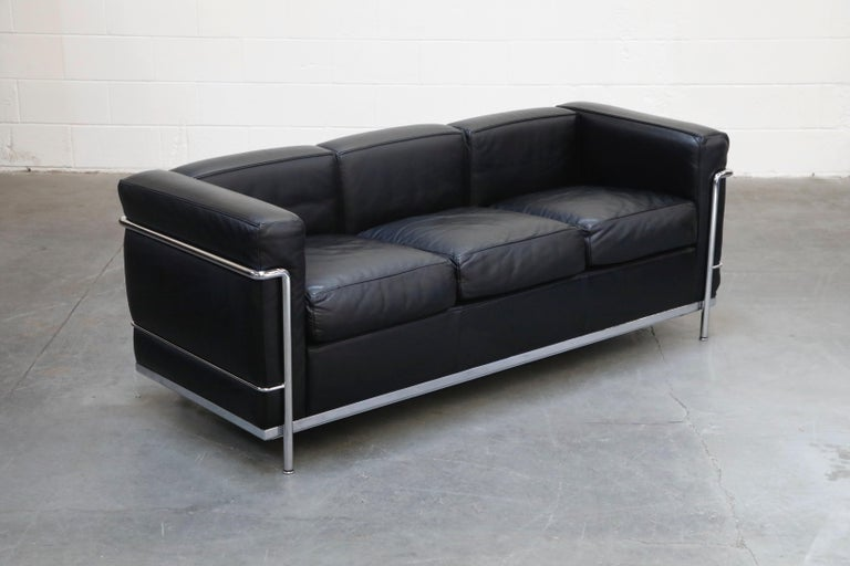 'LC2' Three-Seat Sofa in Black Leather by Le Corbusier for Cassina, Signed In Excellent Condition In Los Angeles, CA