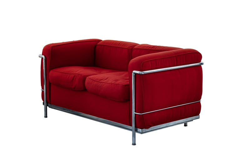 LC2 two seats sofa is a sophisticated piece of design furniture realized in the 1970s by Le Corbusier for Cassina.