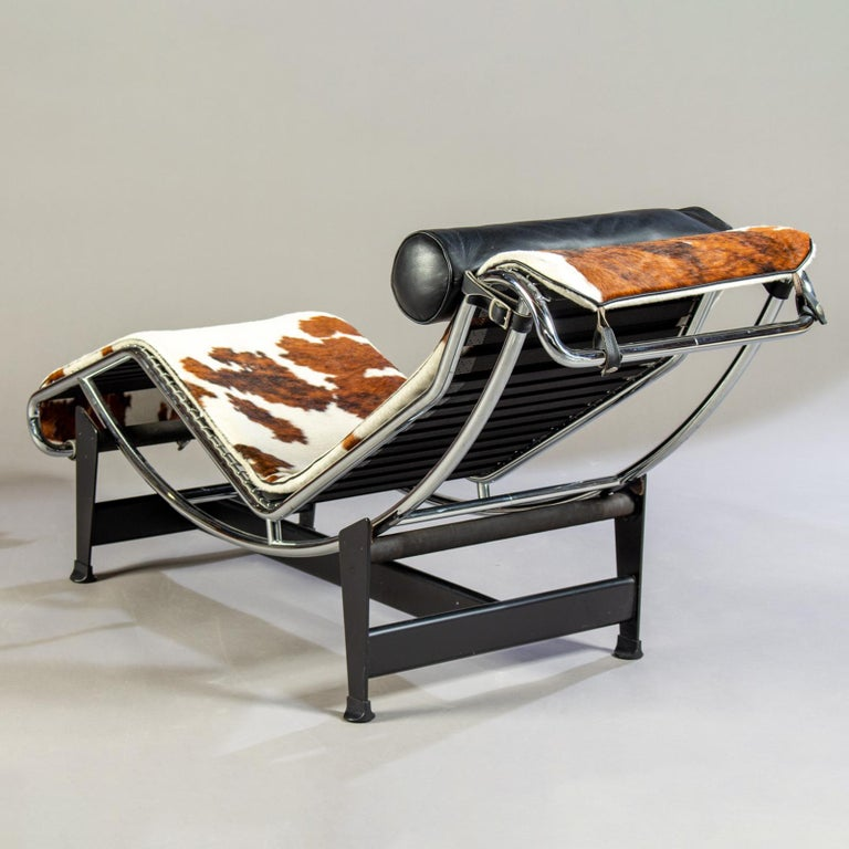 LC4 Chaise by Le Corbusier for Cassina In Good Condition For Sale In Los Angeles, CA