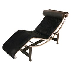 LC4 Le Corbusier in Black Cowhide