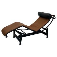 LC4 Le Corbusier Noire Chaise Lounge for Cassina